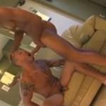 Sexo gay caseiro na casa do Amigo cacetudo