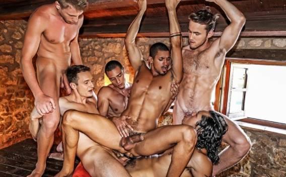 Suruba com varios machos