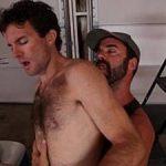 Homens casados peludos transando e chupando rol