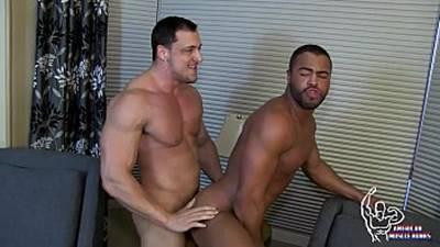 Gays Musculosos transando bem gostoso ate Gozar
